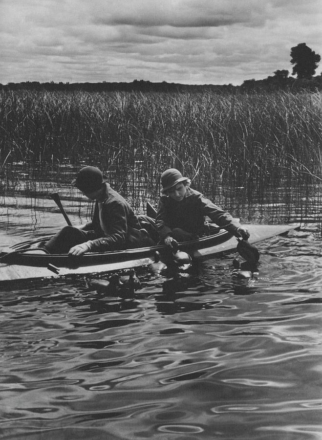 Women Duck Hunting In Chesapeake Photograph by Toni Frissell