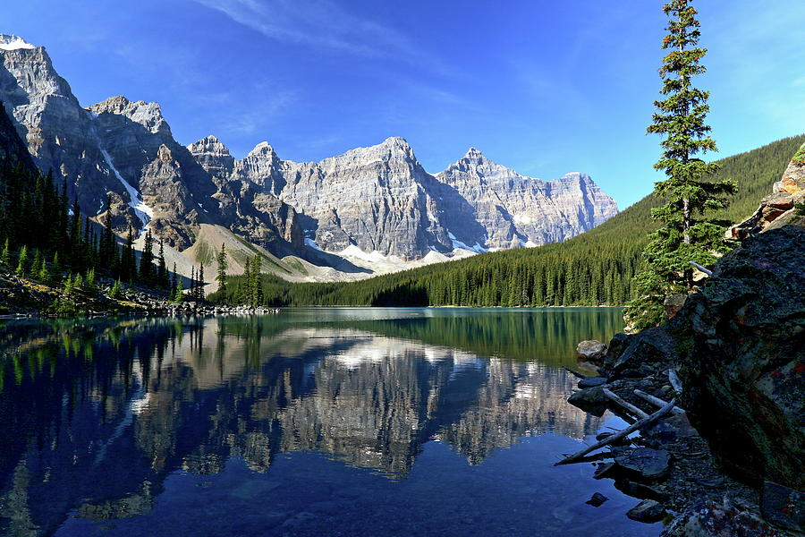 Wonderful Moraine Lake Photograph by J.p.andersen Images
