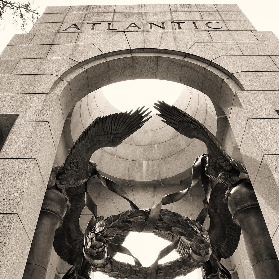 Washington Dc Photograph - World War 2 Atlantic Memorial by Joseph Hedaya