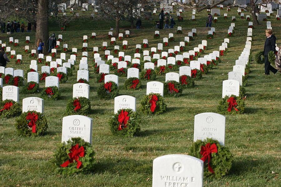 Arlington Cemetery Photograph - Wreaths around America by Heidi Poulin