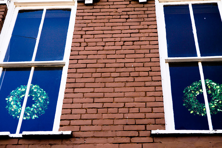 Green Photograph - Wreaths In A Window by Audreen Gieger-Hawkins