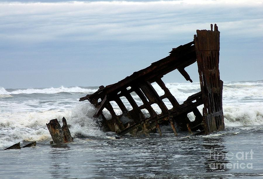 Wreck Of The Peter Iredale Photograph - Wreck Of The Peter Iredale by Chalet Roome-Rigdon