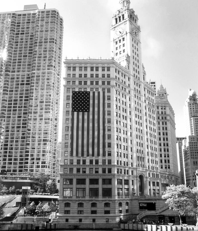 Wrigley Building Chicago Photograph - Wrigley Building Chicago by Mike Maher
