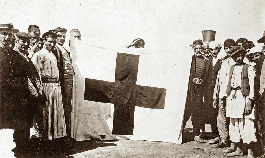 1914 Photograph - Wwi Refugees, 1914 by Granger