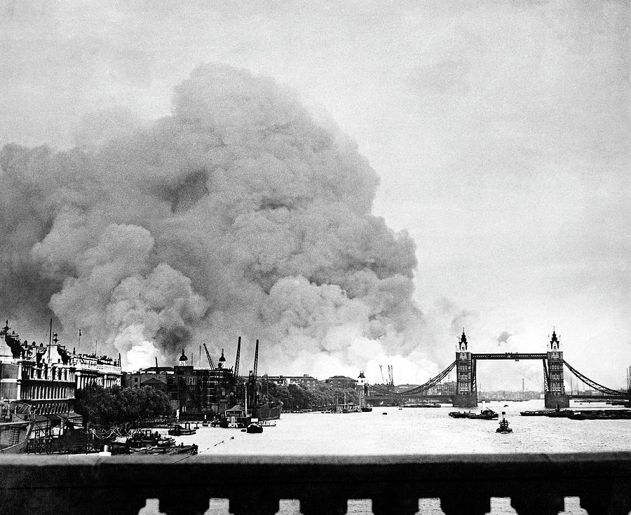 Fire Photograph - Wwii Docklands Fire by Us National Archives And Records Administration/science Photo Library