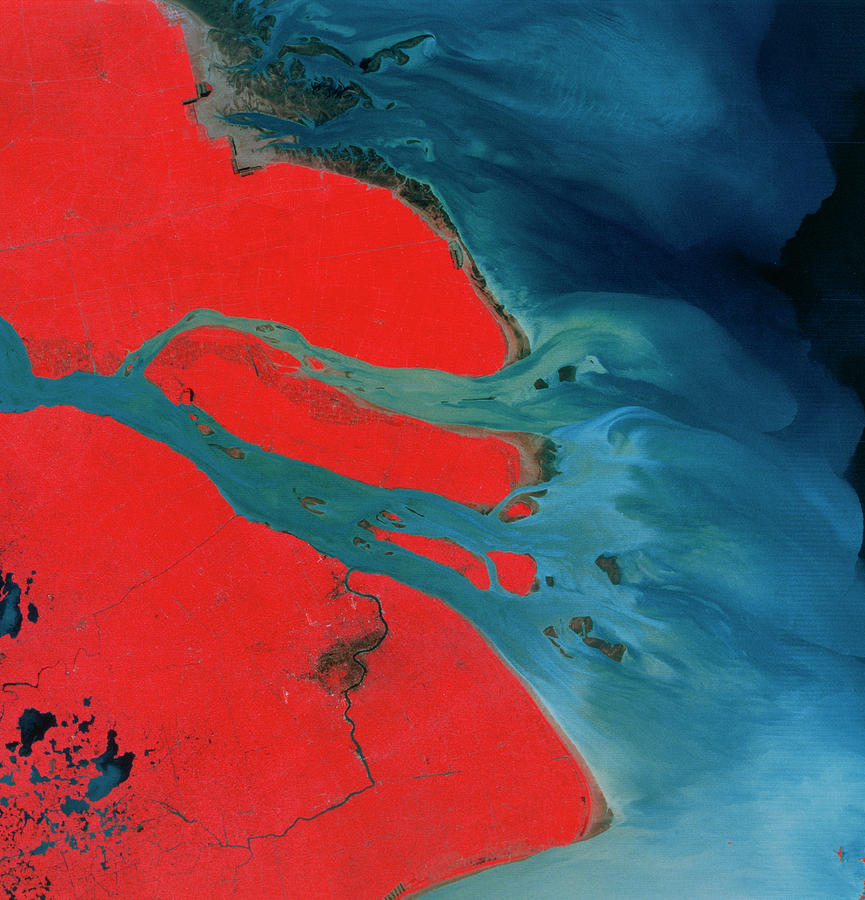 Landsat Imagery Photograph - Yangtze Delta And Shangai by Mda Information Systems/science Photo Library