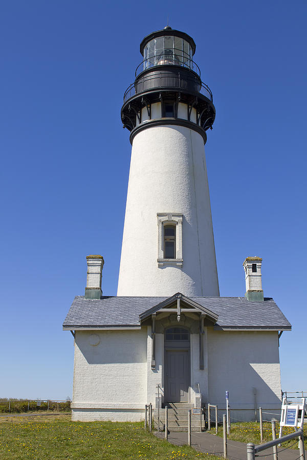 Yaquina Head Photograph - Yaquina Head Lighthouse 2 by David Gn