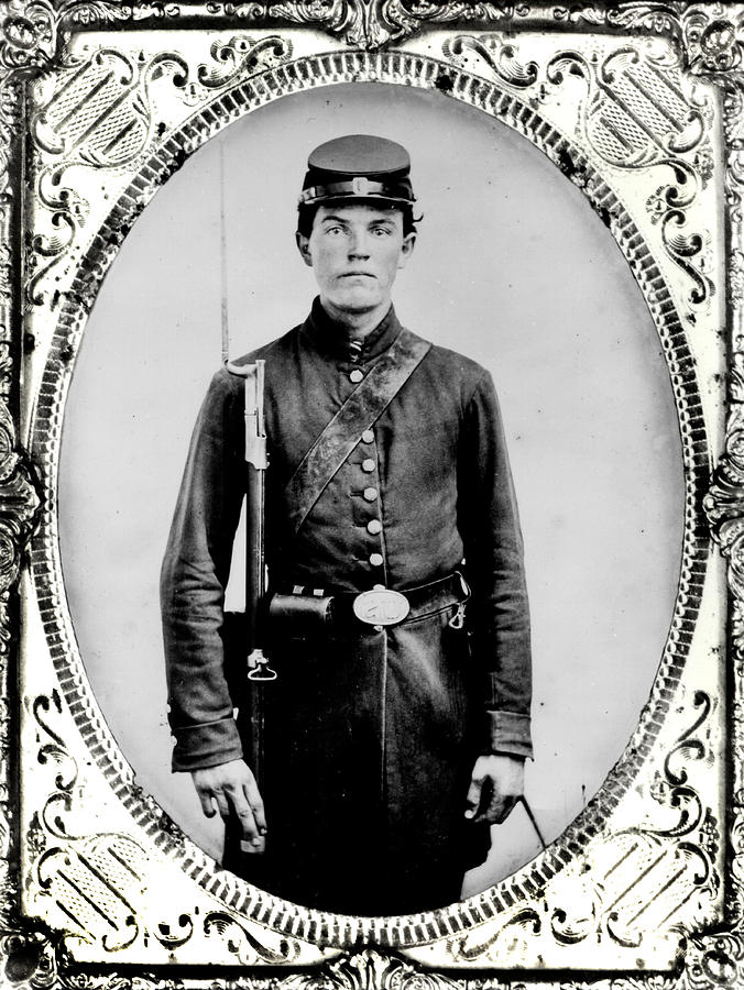 Young Photograph - Young Union Soldier by American School