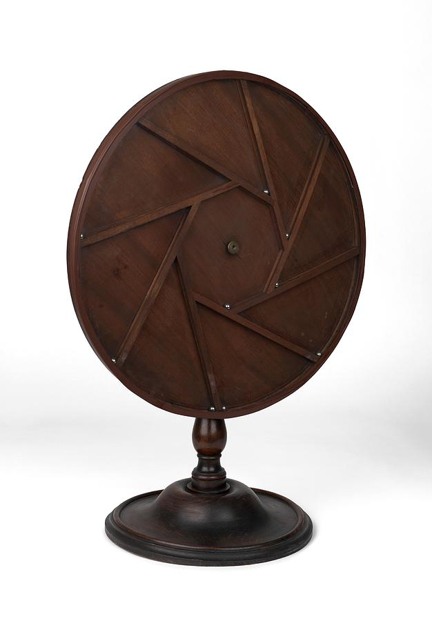 1800s Photograph - Youngs Perpetual Motion Machine by Science Photo Library