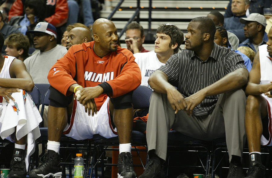 Alonzo Mourning Photograph - Zo And Shaq by Don Olea