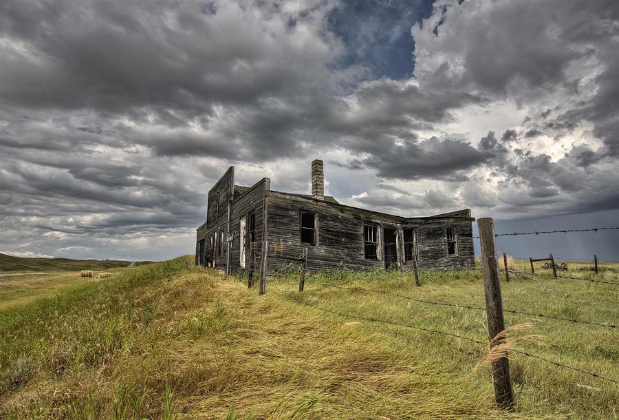 Abandoned Digital Art - Abandoned Farmhouse Saskatchewan Canada by Mark Duffy