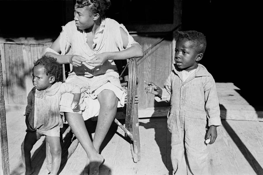 1930s Candid Photograph - African American Sharecroppers, Titled by Everett