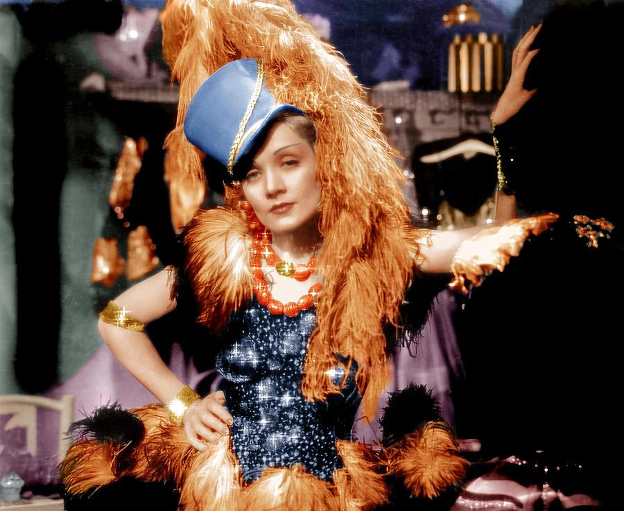 1930s Movies Photograph - Blonde Venus, Marlene Dietrich, 1932 by Everett