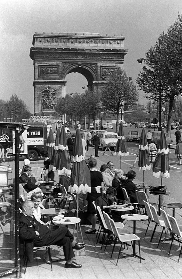 Black Photograph - Bw France Paris Triumphal Arch 1970s by Issame Saidi