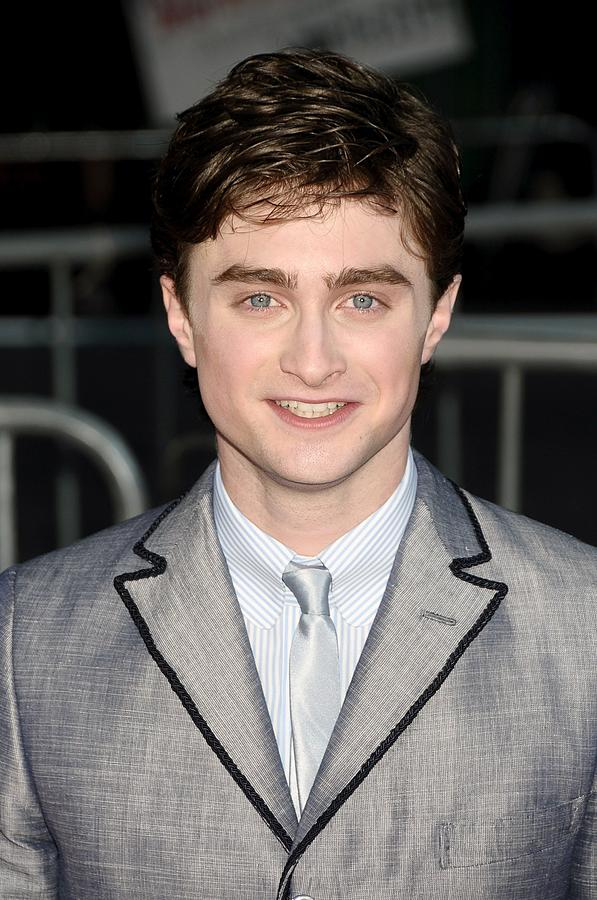 Premiere Photograph - Daniel Radcliffe At Arrivals For Harry by Everett