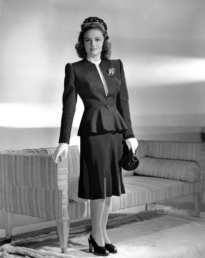 1940s Fashion Photograph - Donna Reed, 1943 by Everett