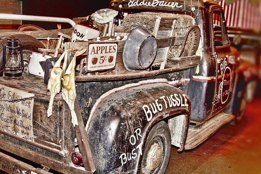 Eddie Photograph - Eddie Bauer Bug Tussle Pick Up by Douglas Barnard