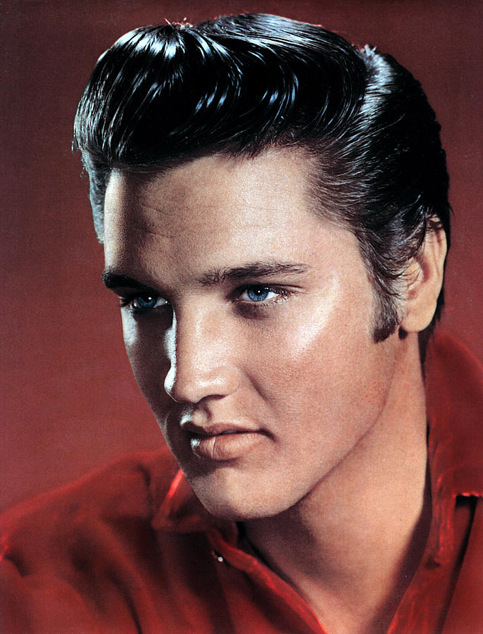 Portrait Photograph - Elvis Presley by Everett