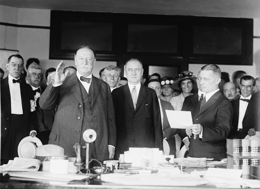 Us Presidents Photograph - Ex-president William Howard Taft by Everett