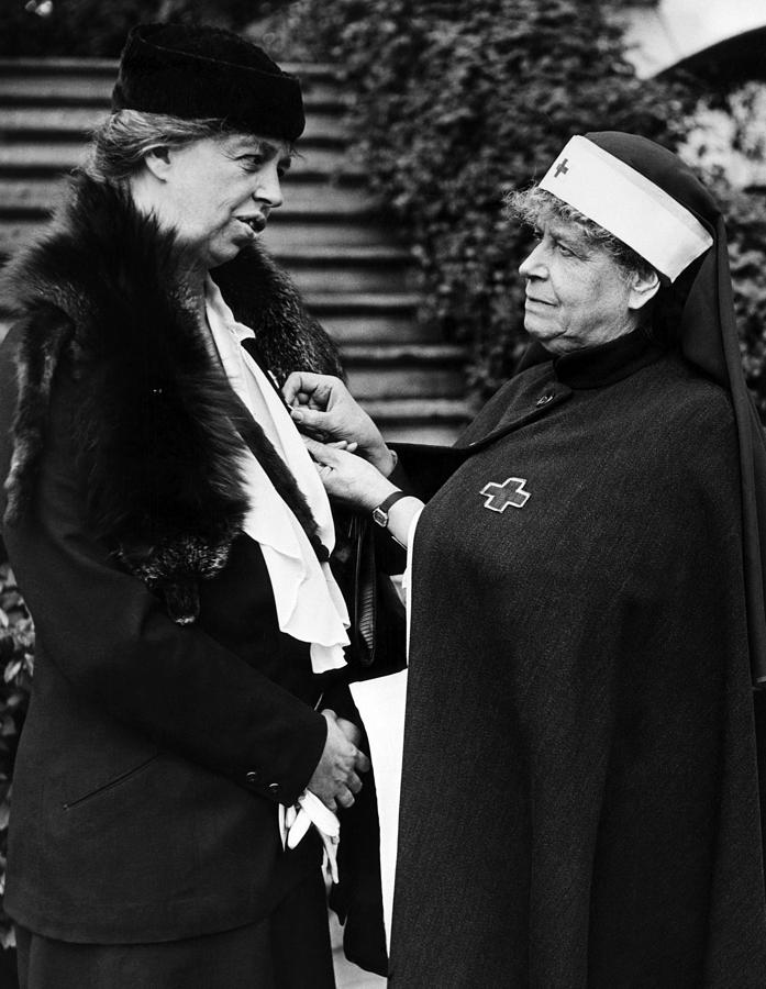 1930s Photograph - First Lady Eleanor Roosevelt by Everett