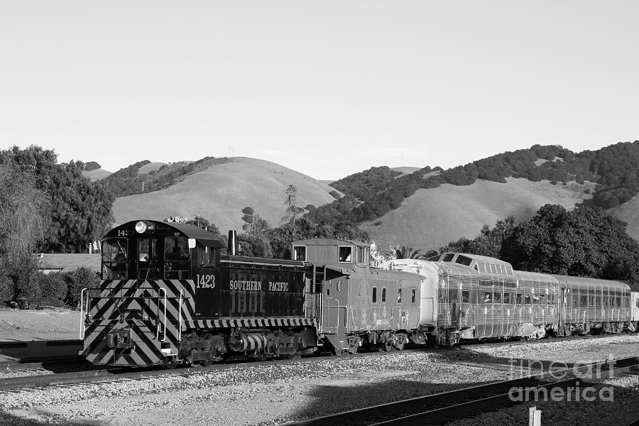 Black And White Photograph - Historic Niles Trains In California . Southern Pacific Locomotive And Sante Fe Caboose.7d10819.bw by Wingsdomain Art and Photography