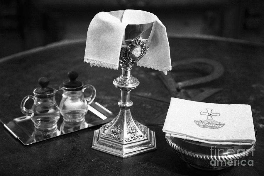 Chalice Photograph - Holy Communion by Gaspar Avila