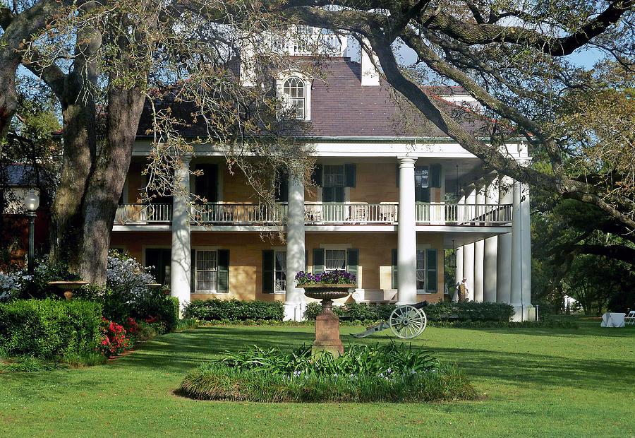 Louisiana Photograph - Houmas House by Helen Haw