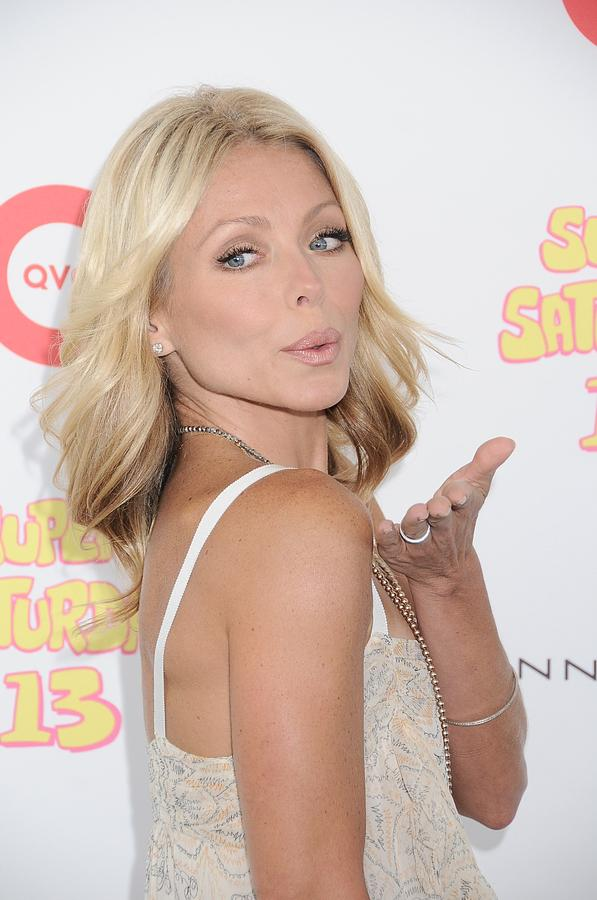 Kelly Ripa Photograph - Kelly Ripa In Attendance For Super by Everett