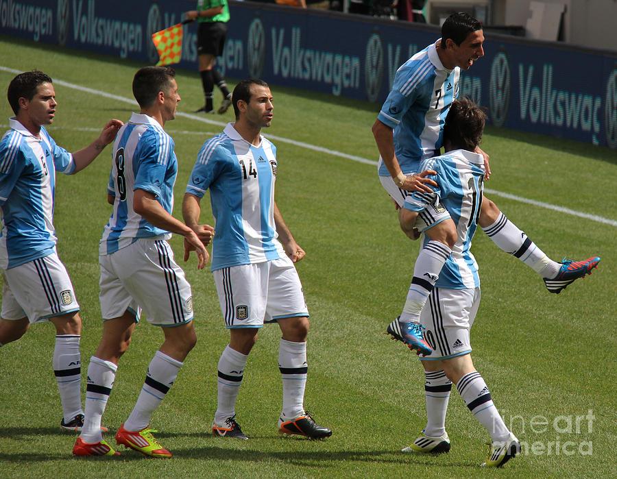 Lee Dos Santos Photograph - Lionel Messi The Hug by Lee Dos Santos
