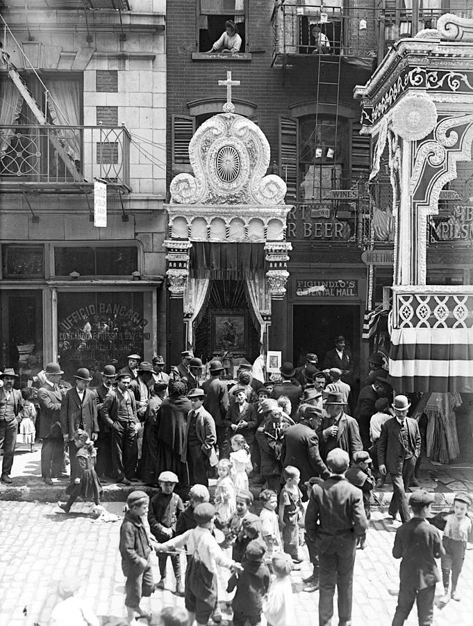 1900s Photograph - Little Italy, Street Altar To Our Lady by Everett