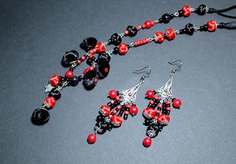 Handmade Jewelry - Long Necklace And Earrings by Gorean Olga