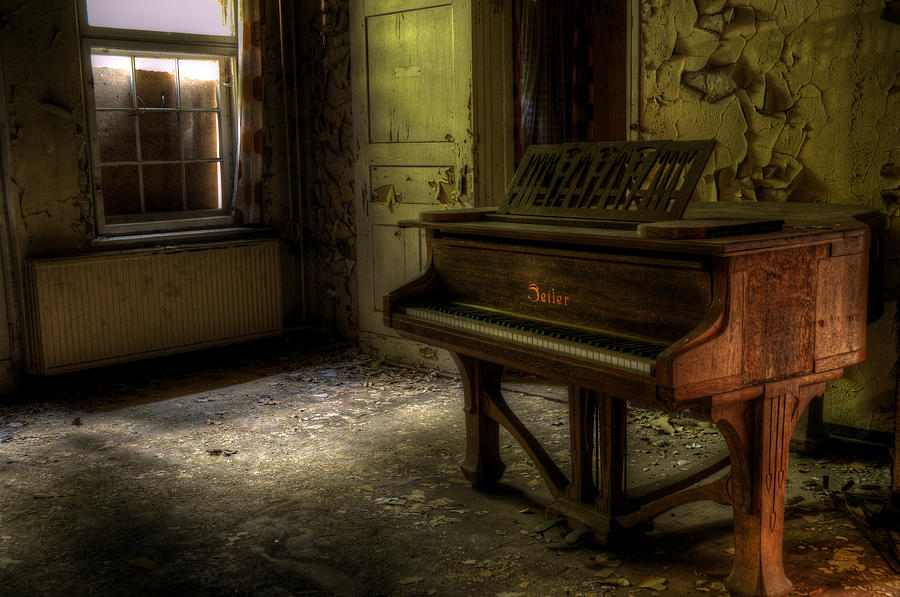 Old Piano Photograph By Nathan Wright