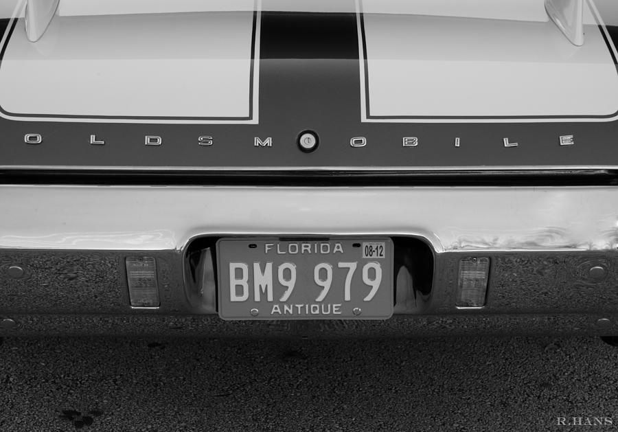 Oldsmobile Photograph - Olds Cs In Black And White by Rob Hans