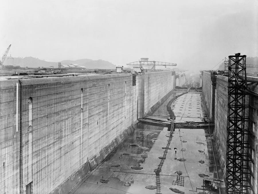 a history of the construction of the panama canal History of the canal after france unsuccessfully attempted to build a canal through the isthmus of panama in the 1800s, the united states began building the canal in 1904.