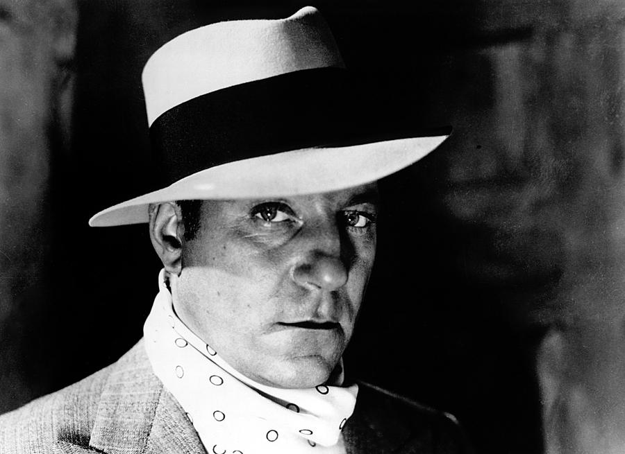 1930s Movies Photograph - Pepe Le Moko, Jean Gabin, 1937 by Everett