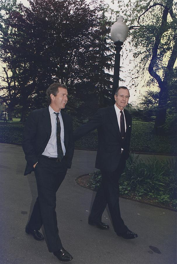 History Photograph - President George H.w. Bush Walks by Everett