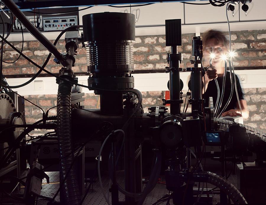 Physics Photograph - Quantum Entanglement Equipment by Volker Steger