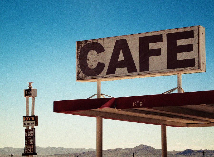 Kunst Photograph - Roys Cafe by Aurica Voss
