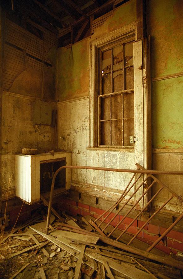 Building Photograph - School House by Rick Rauzi