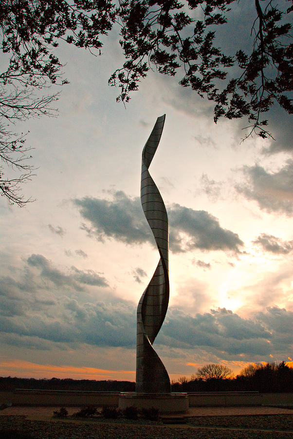 Sculpture Photograph - Sculpture At Our Lady Of The Snows by Cindy Tiefenbrunn