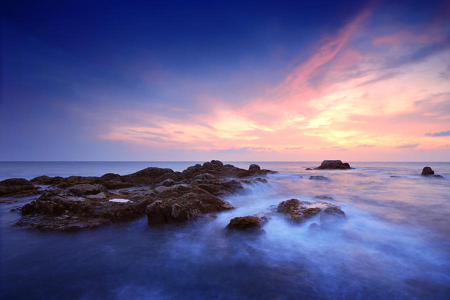 Abstract Photograph - Seascape by Teerapat Pattanasoponpong