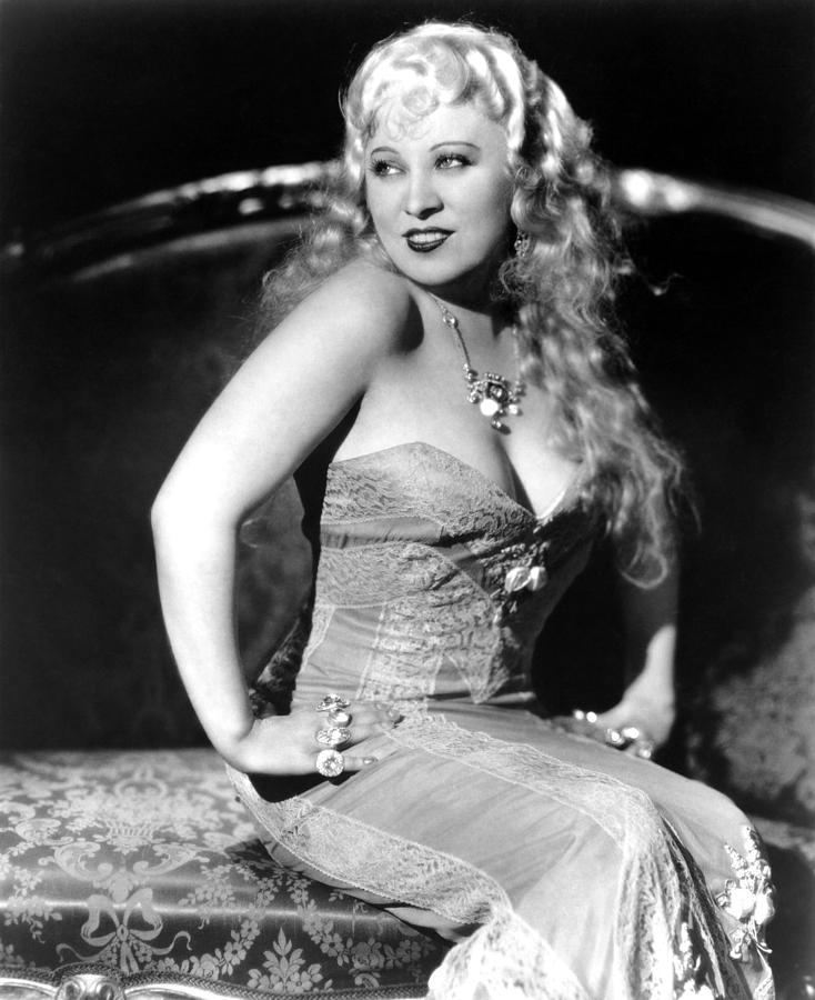 1930s Movies Photograph - She Done Him Wrong, Mae West, 1933 by Everett