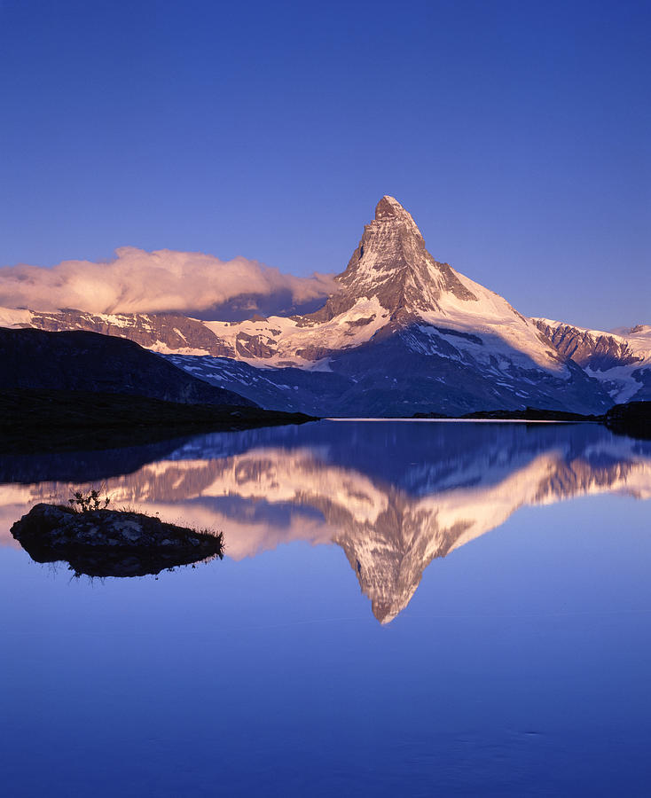 The Matterhorn Reflecting In Lake Photograph by Brian Lawrence