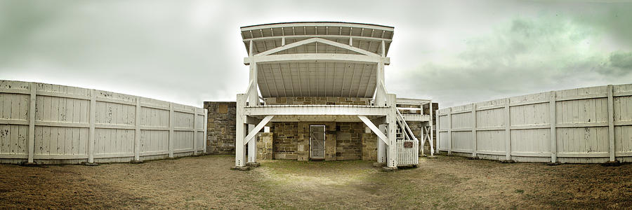Hanging Judge Photograph - 1002-0548 Judge Parkers Famous Gallows by Randy Forrester