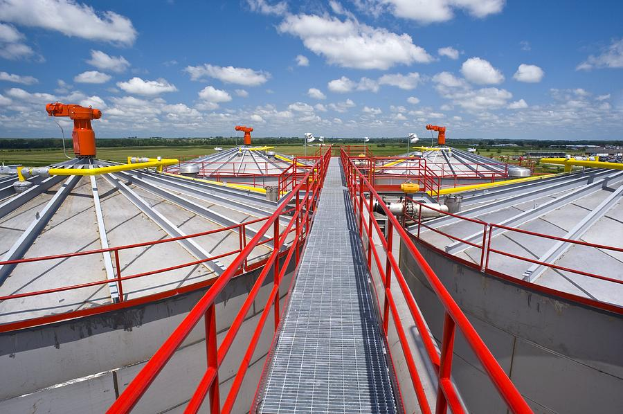 Building Photograph - Corn Ethanol Processing Plant by David Nunuk