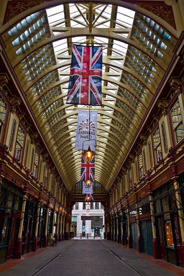 Leadenhall Market Photograph - Leadenhall Market London by David Pyatt
