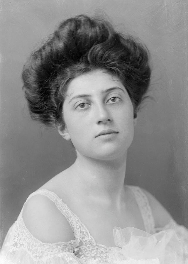 1900's Hairstyle Photograph by George C Beresford