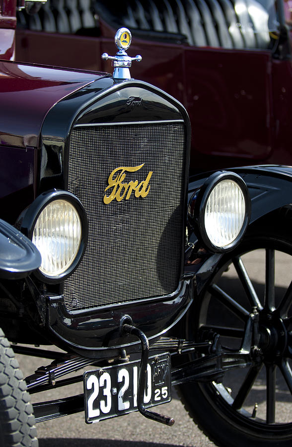 1925 Ford Model T Coupe Photograph - 1925 Ford Model T Coupe Grille by Jill Reger
