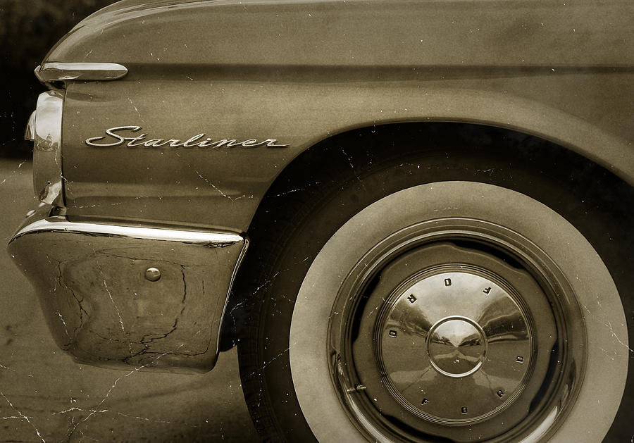1961 Photograph - 1961 Ford Starliner by Gordon Dean II