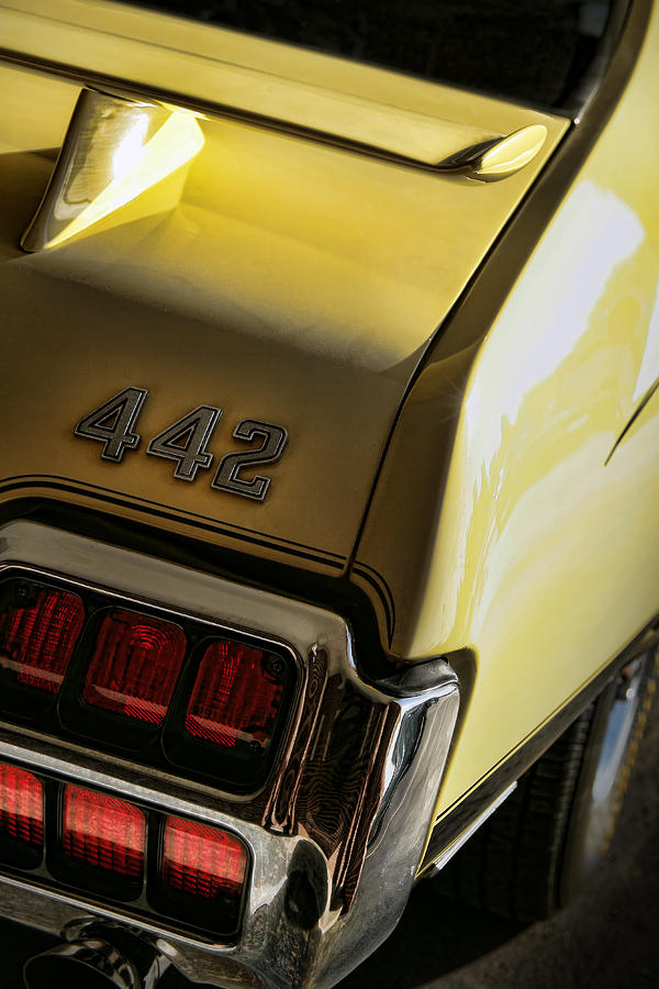 Oldsmobile Photograph - 1972 Oldsmobile 442 by Gordon Dean II